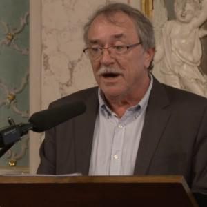 Prof. Dr. Roland Wolf